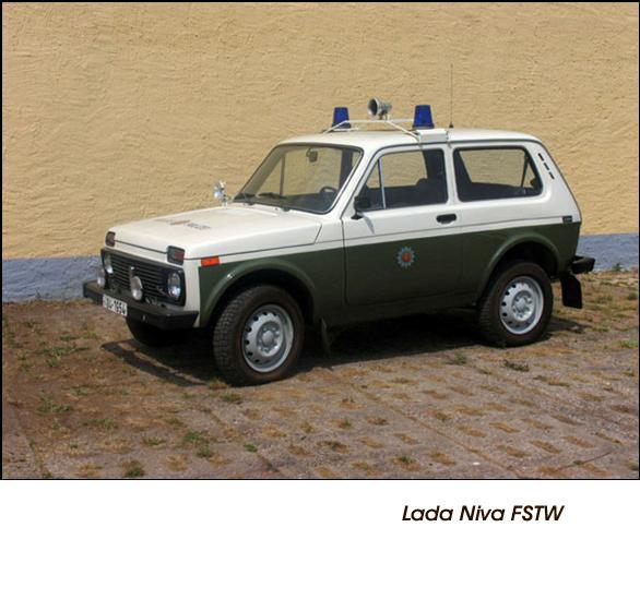 DDR Polizeifahrzeuge Volkspolizei Deutsche Demokratische Republik Polizeiautos Lada Niva FSTW